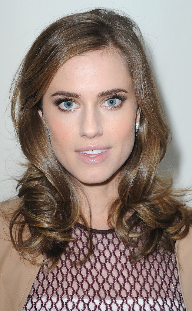 Allison Williams, Spring Haircuts Gallery