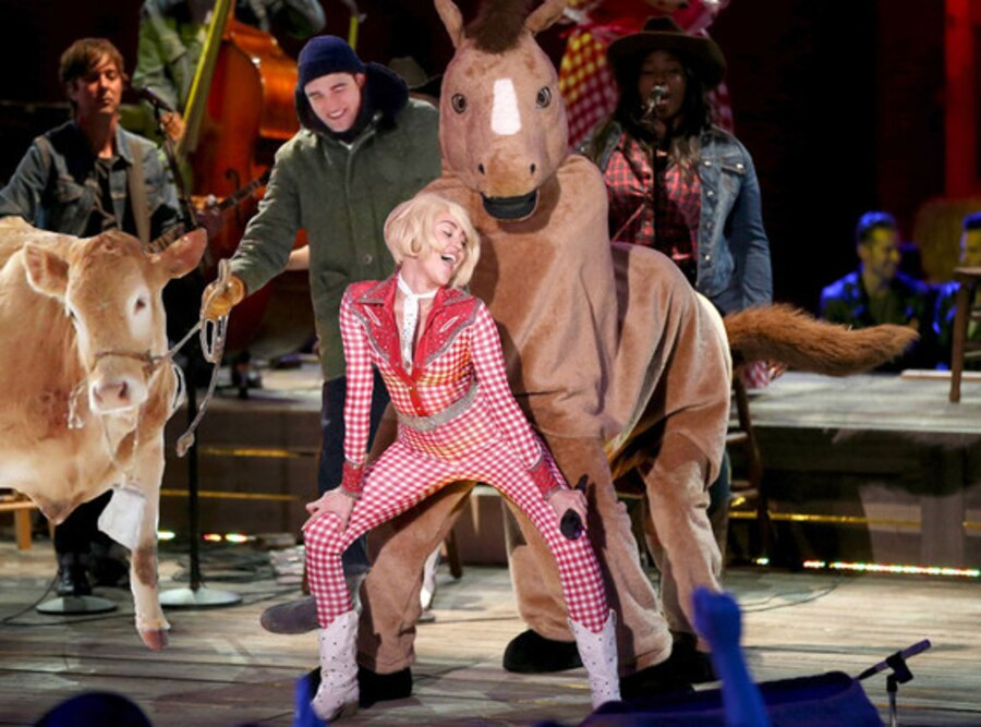 Miley Cyrus, Twerking, Horse, Robert Pattinson