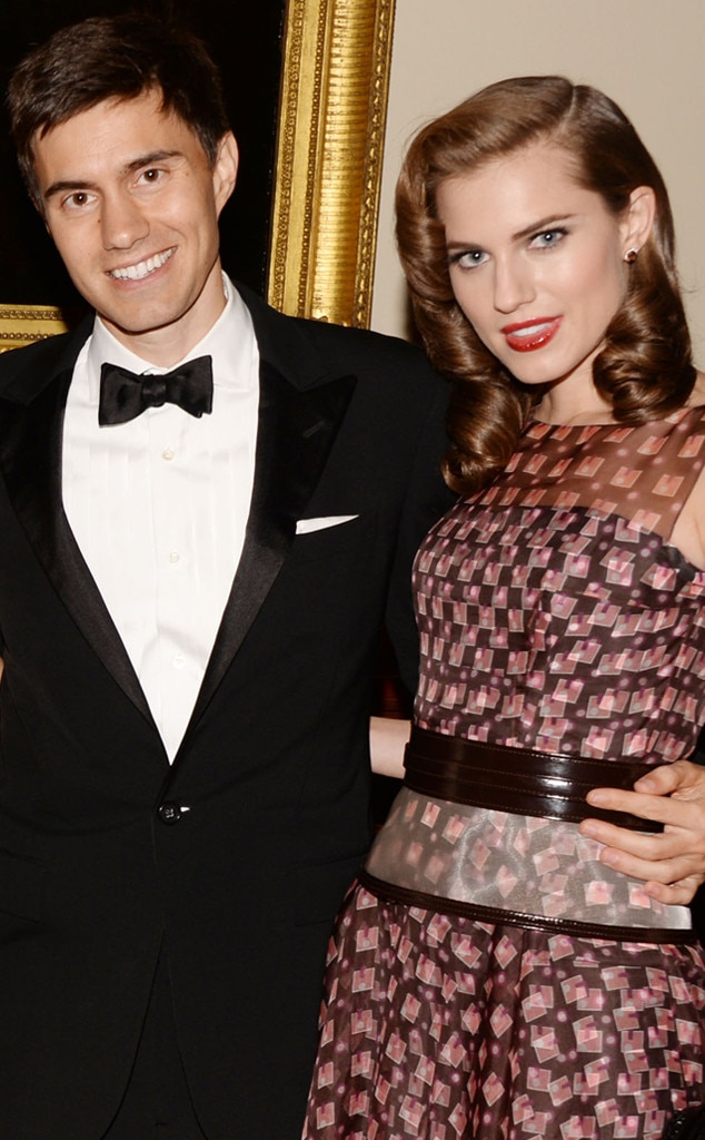 girls star allison williams talks perfect engagement ring