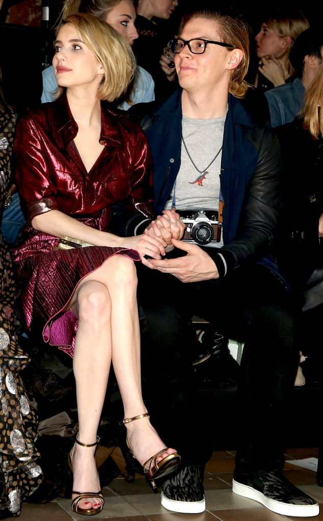 http://akns-images.eonline.com/eol_images/Entire_Site/2014127/rs_634x1024-140227150911-634.Emma-Roberts-Evan-Peters-Hold-Hands-Front-Row.jl.022714.jpg
