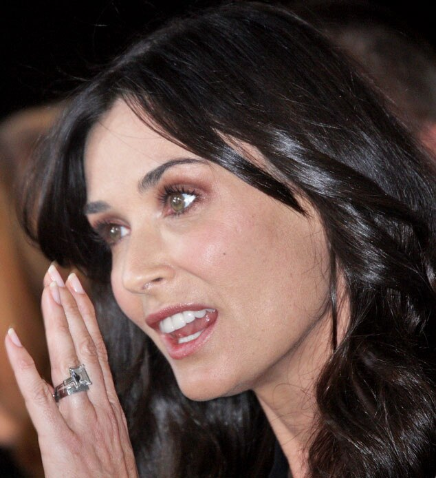Demi Moore, Engagement Ring