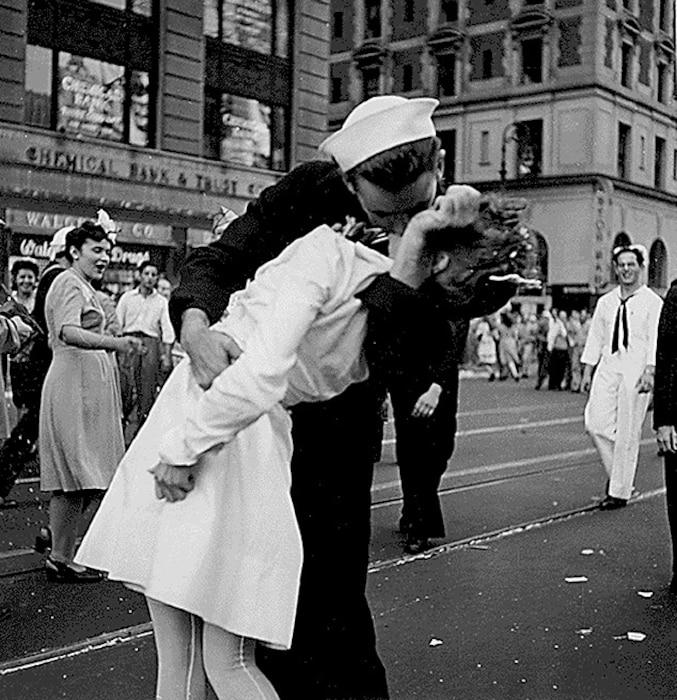 Glenn Edward McDuffie, LIFE Magazine, Kissing Sailor