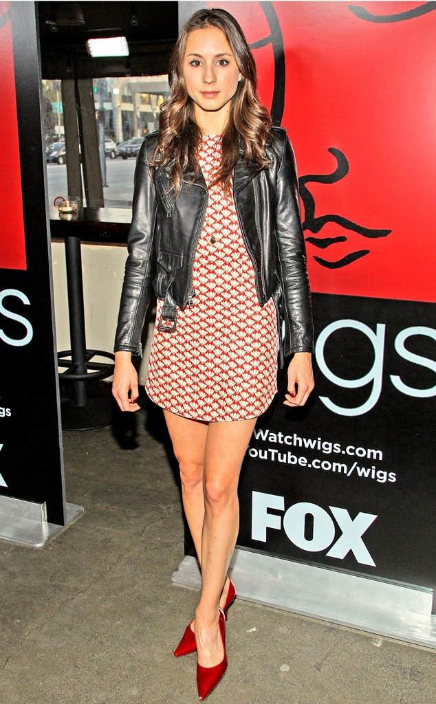Pretty Little Liars Looks, Troian Bellisario