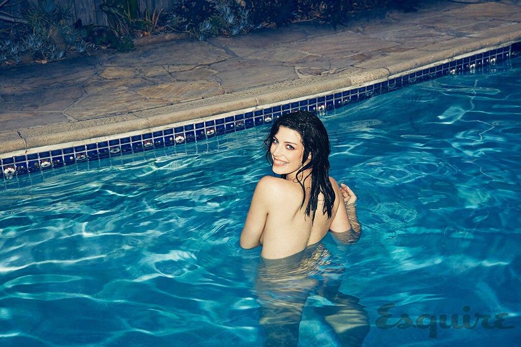 Jessica Pare, Esquire
