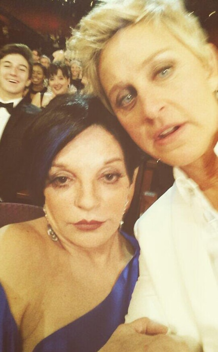 Ellen DeGeneres, Liza Minnelli, Twitter