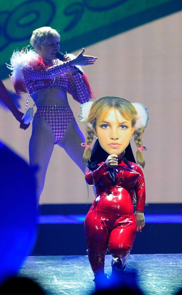 Miley Cyrus, Bangerz Tour