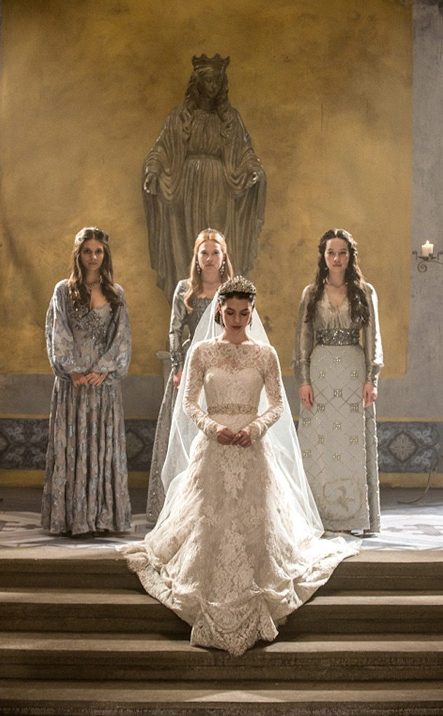 Reign39s wedding bombshell torrance coombs on mary39s for Reign mary wedding dress