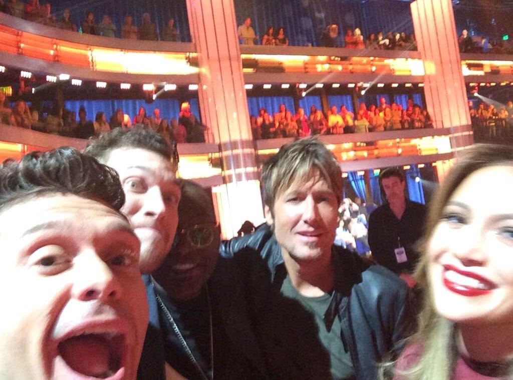 Ryan Seacrest, Phillip Phillips, Jennifer Lopez, Randy Jackson, Keith Urban, American Idol, Twitter