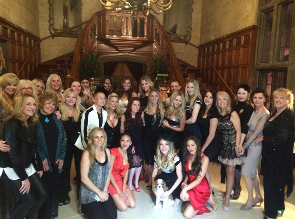 Hugh Hefner, Playboy Mansion, Twitter