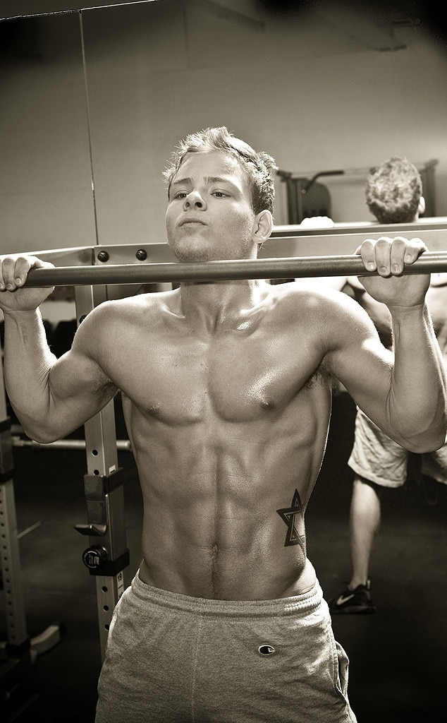 Jonathan Lipnicki, Shirtless