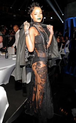 Rihanna, iHeartRadio Music Awards