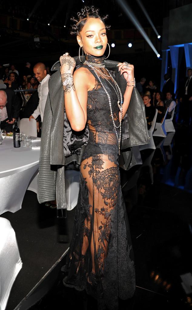 Rihanna, iHeartRadio Music Awards, Rich Celebs
