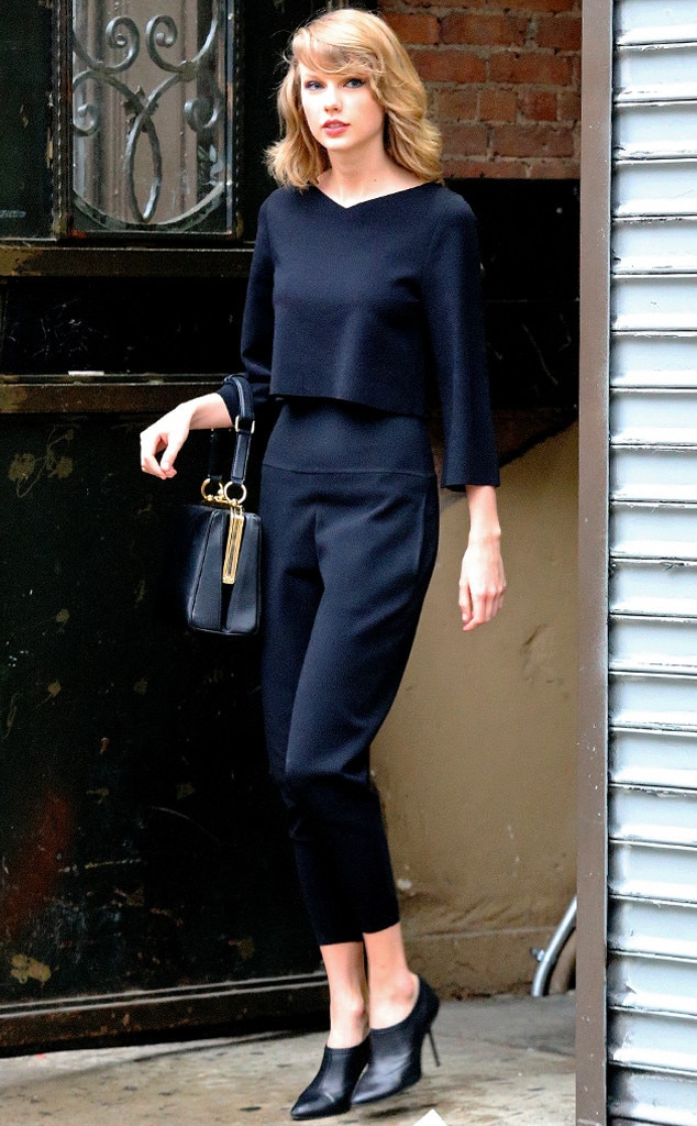 Monochrome Maven From Taylor Swift 39 S Street Style E News