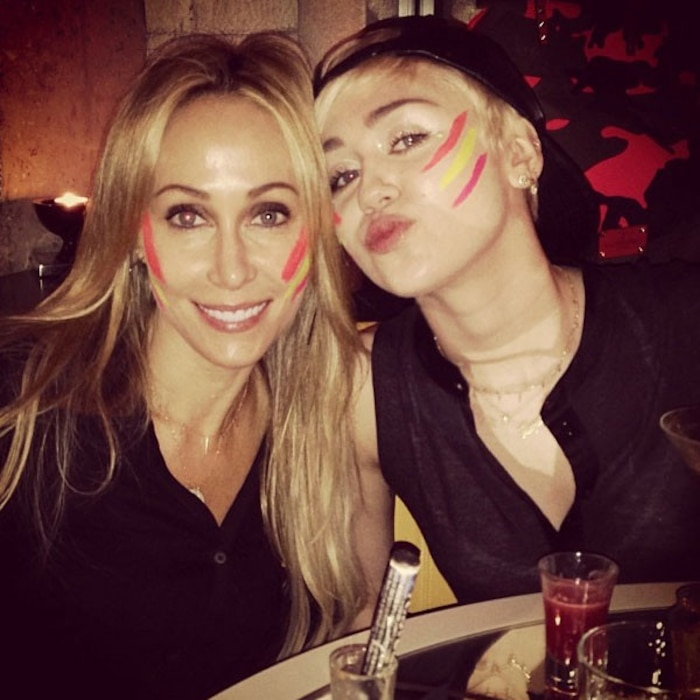 Tish Cyrus, Miley Cyrus, Instagram