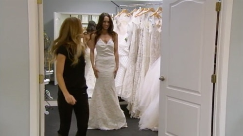 Brie Bella Turns Into Bridezilla And Summer Rae Heats Things Up With WWE Superstar Fandango See