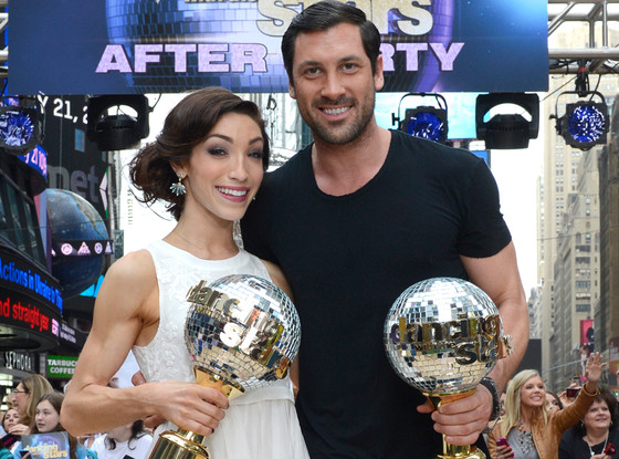 Meryl And Maks Dating Couple Kiss On Dancing With The: Cody Simpson So Happy For Meryl Davis And Maksim