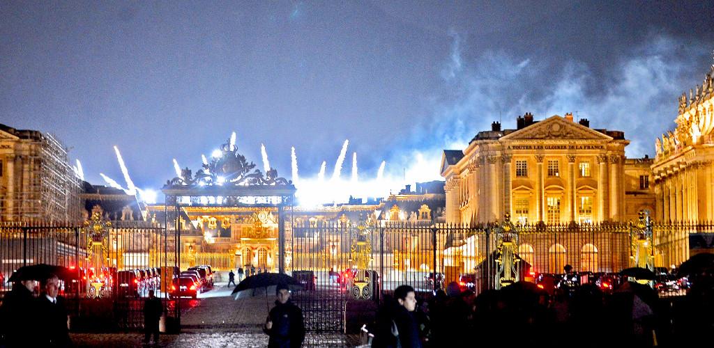 Kim Kardashian, Kanye West, Versailles Fireworks