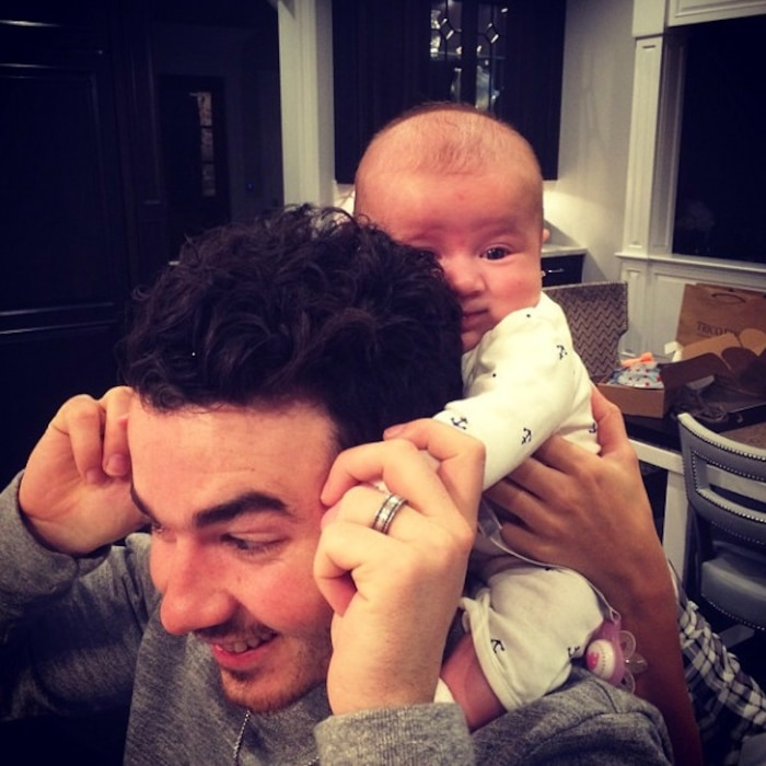 Joe Jonas, Instagram