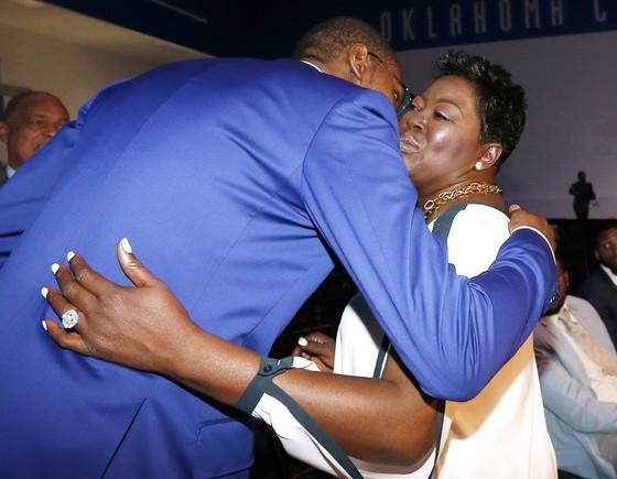 Kevin Durant, Wanda Pratt, NBA Basketball Most Value Player Award