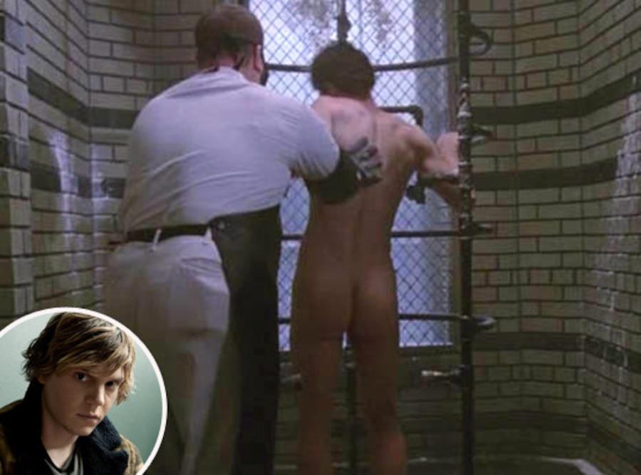 Evan Peters, Butt