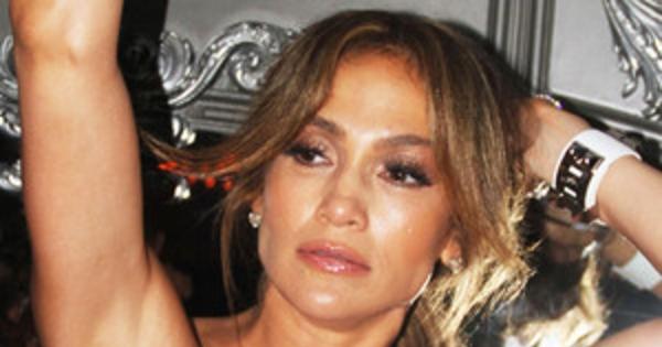 Jennifer Lopez Has Wardrobe Malfunction Movie Set
