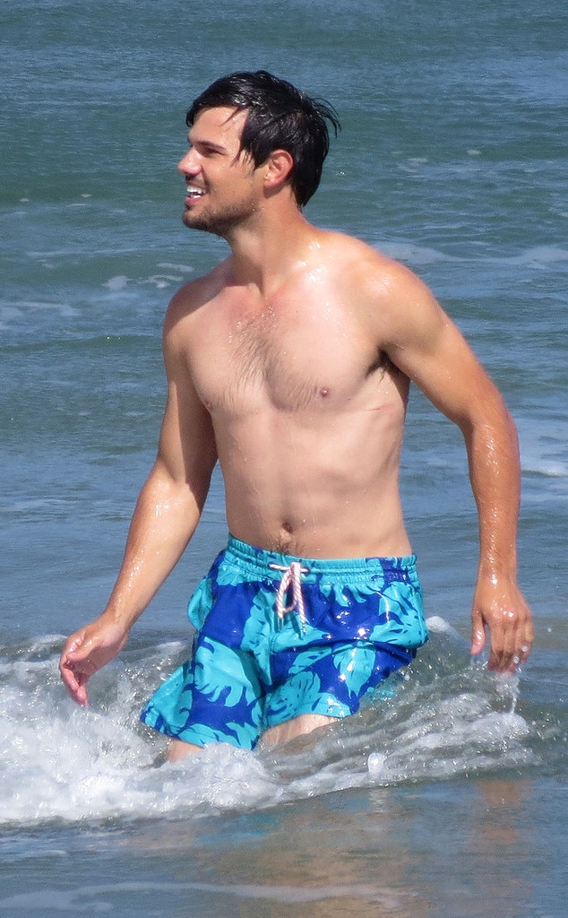 Taylor Lautner's Still Twilight Hot! See the Shirtless ...