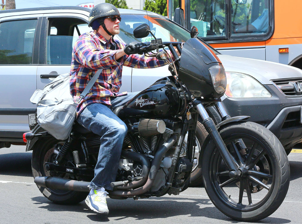 charlie hunnam from sexy male celebs on motorcycles e news. Black Bedroom Furniture Sets. Home Design Ideas