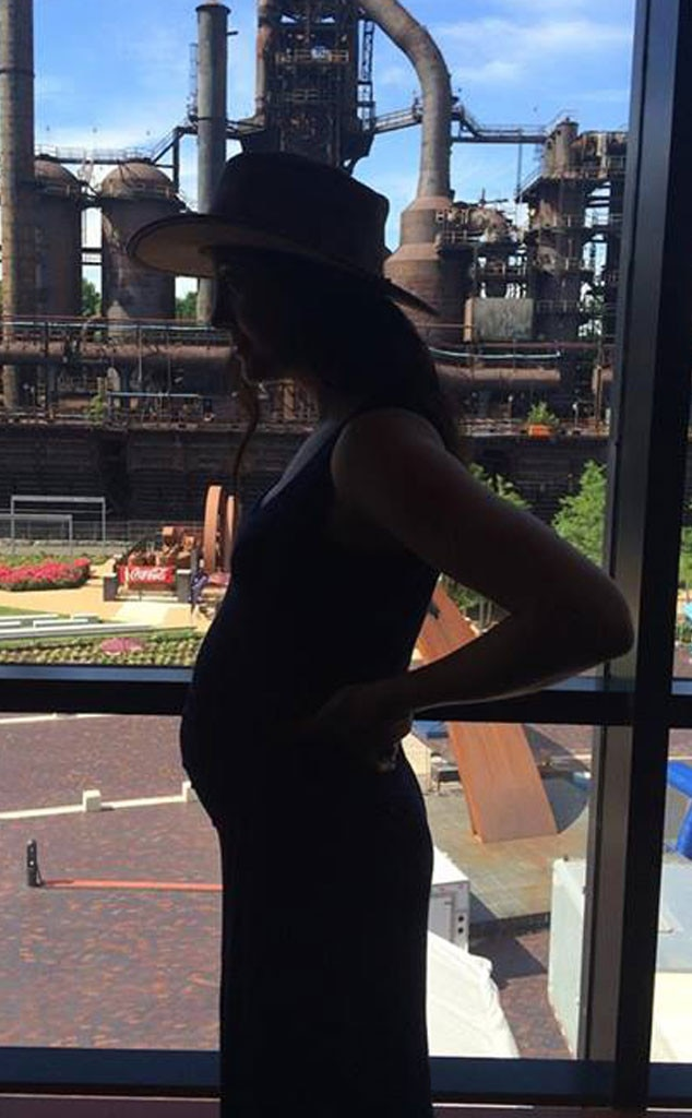 Vanessa Carlton, Pregnant