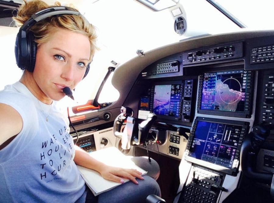 Amelia Earhart, Twitter