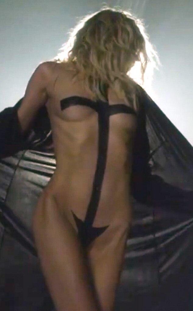 Taylor Momsen, Nipple