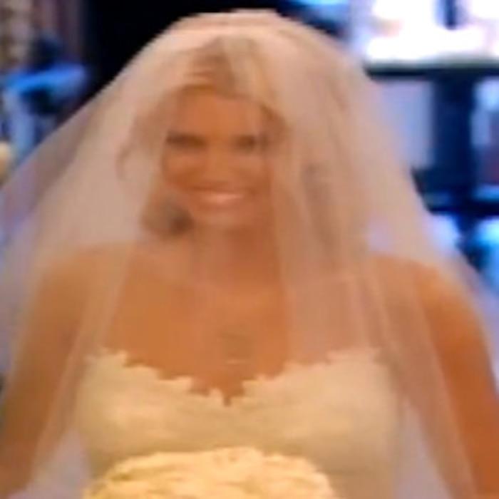 Jessica simpsons wedding dress flashbackplus all the times she jessica simpsons wedding dress flashbackplus all the times she was a bridesmaid e news junglespirit Image collections