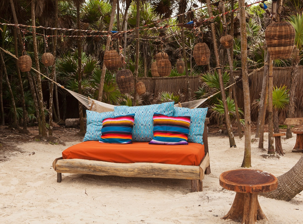 Bachelor in Paradise Decor