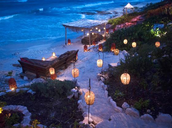 Bachelor in Paradise Decor