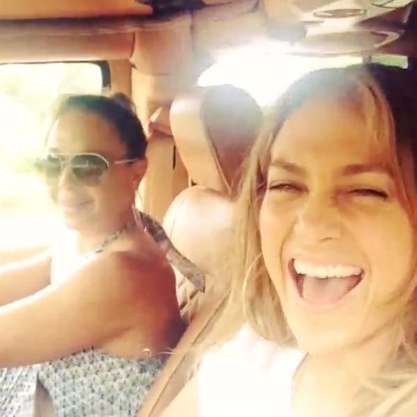 Jennifer Lopez, Leah Remini, Instagram