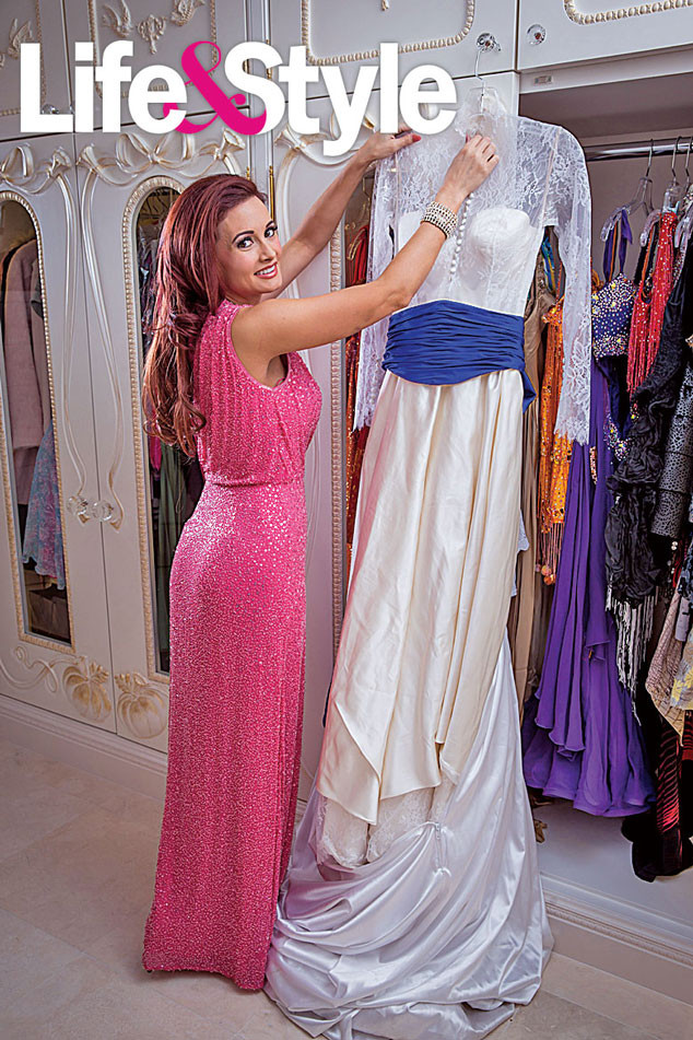 Holly Madison, Closet