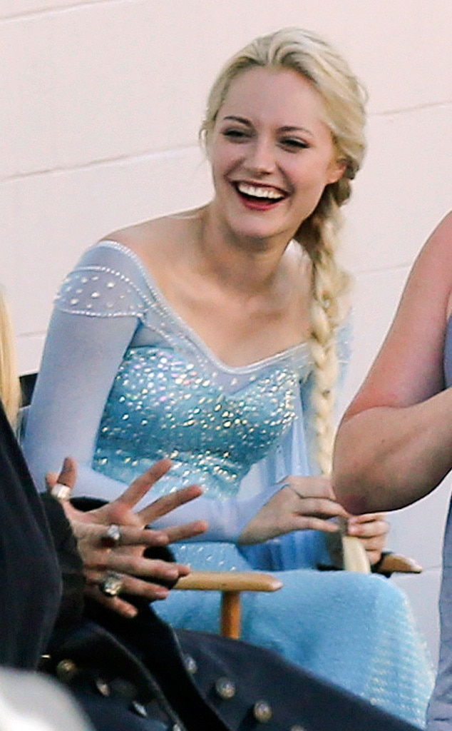 Get Your First Look at Georgina Haig as Frozen's Elsa on ... | 634 x 1024 jpeg 81kB