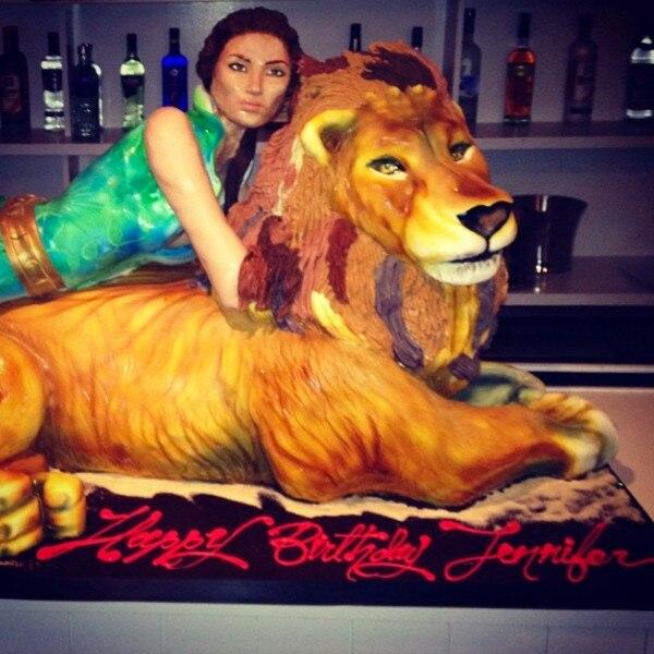 Jennifer Lopez, Cake, Instagram
