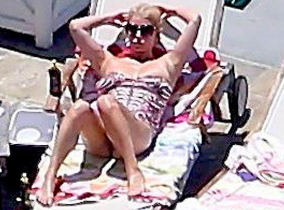 Jessica Simpson, Bikini