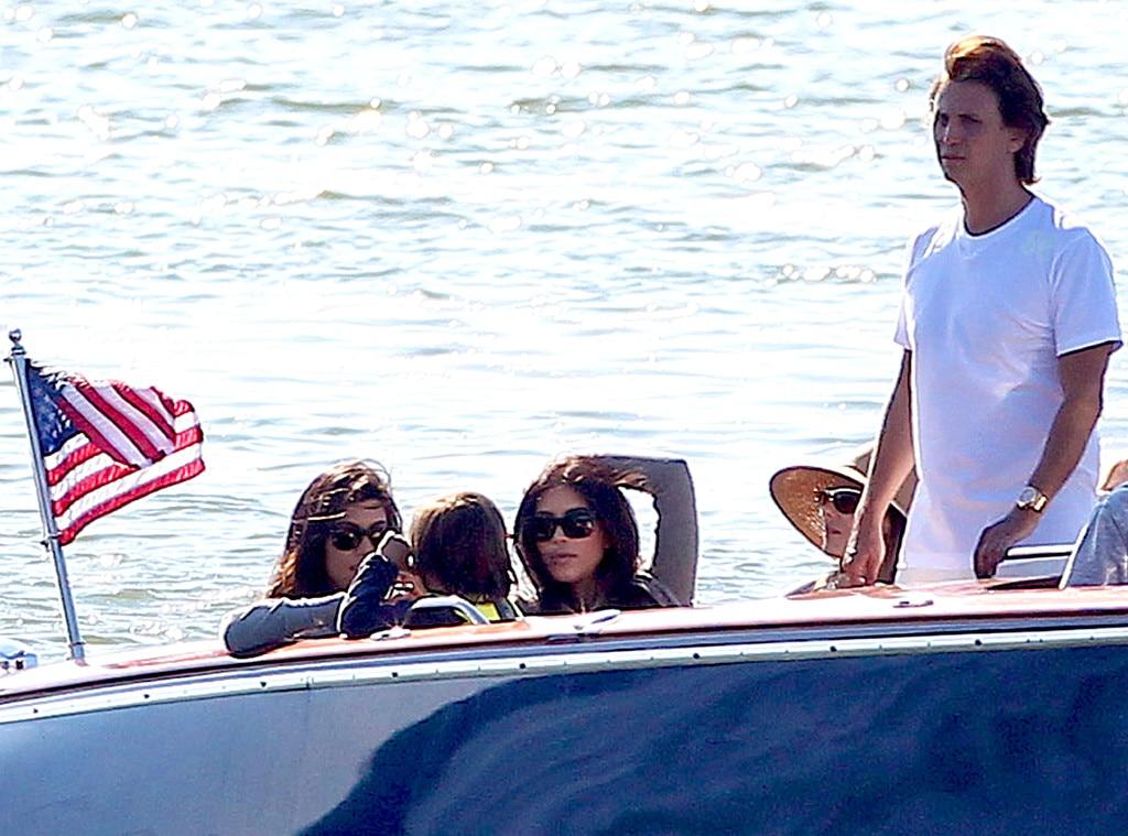 Kim Kardashian, Kourtney Kardashian, Jonathan Cheban