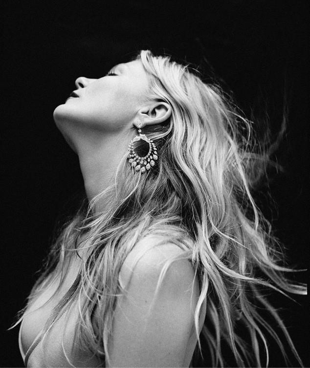 Kirsten Dunst, Flaunt