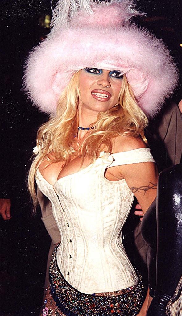 Pamela Anderson, MTV VMA's 1999