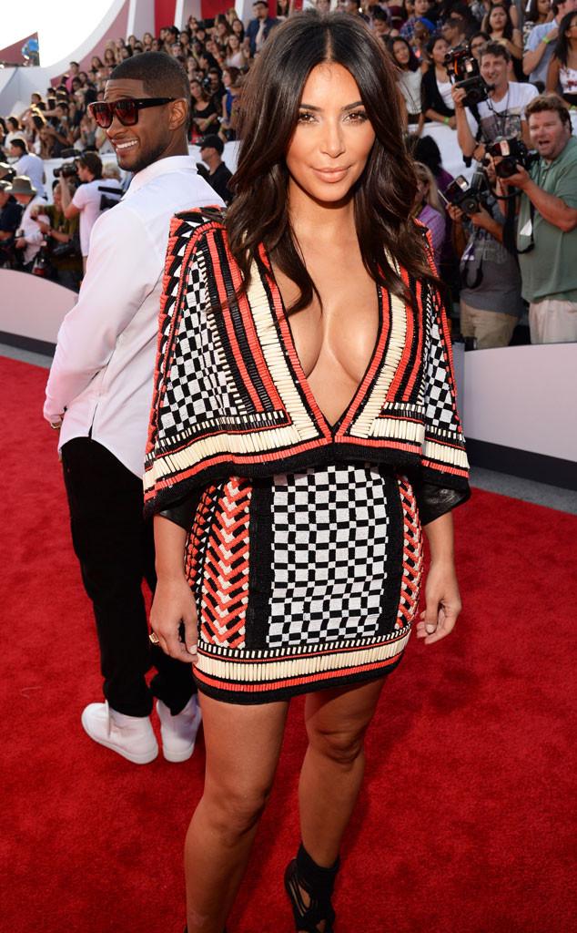 Kim Kardashian, Usher, Photobomb, MTV 2014 VMA's