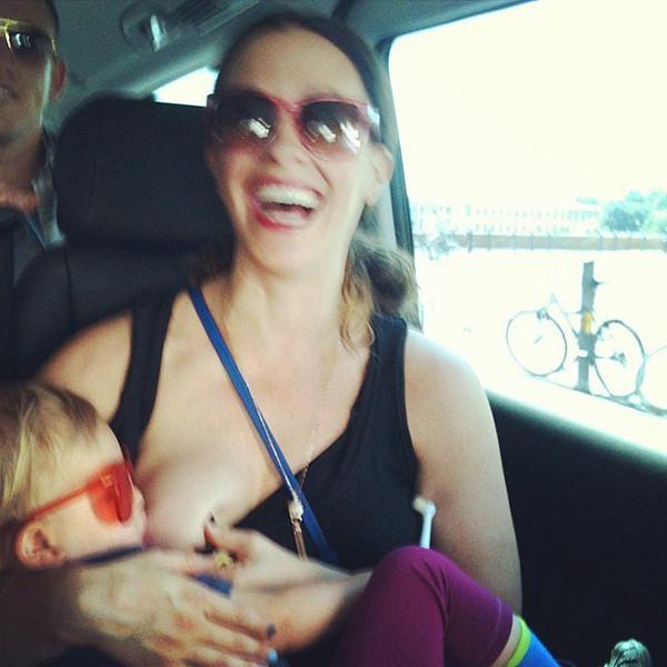 Alanis Morisette, Instagram, Breastfeeding