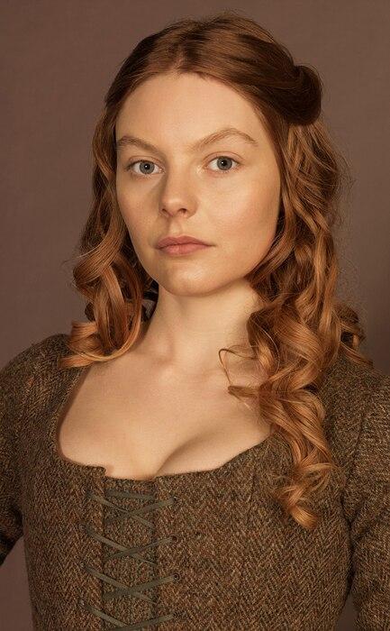 Outlander, Nell Hudson