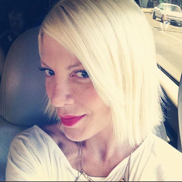 Tori Spelling, Hair