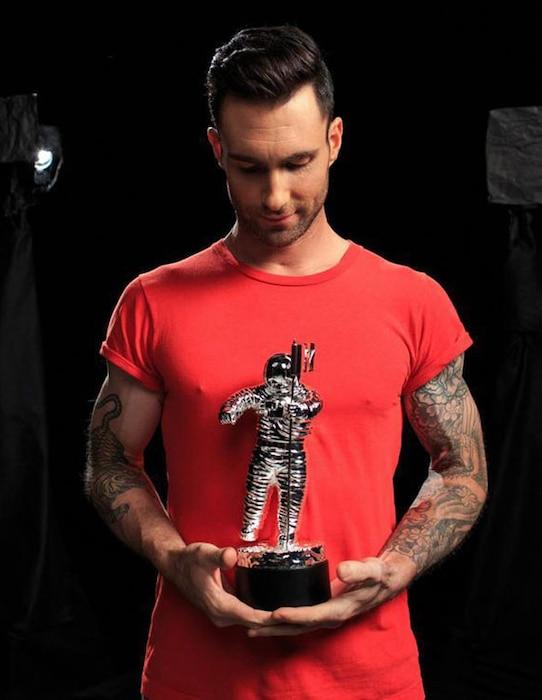 Adam Levine, MTV Twitter