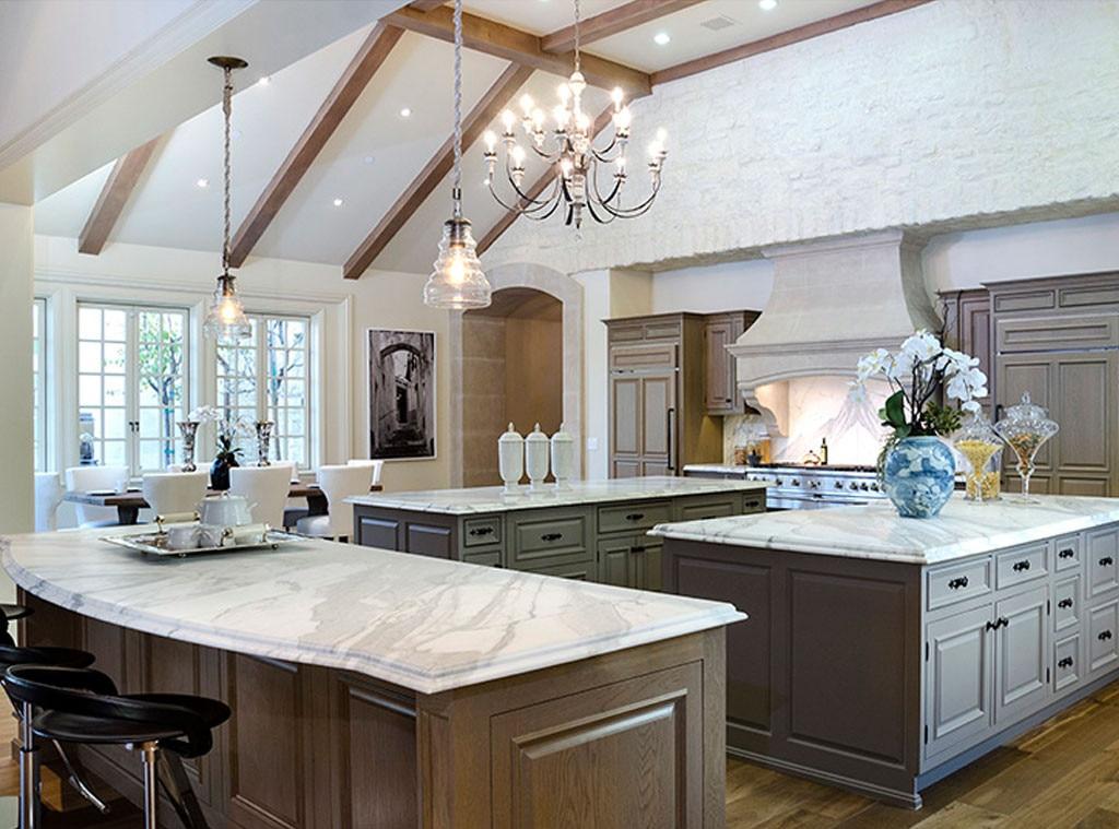miam miam from la maison de r ve 20 millions de dollars. Black Bedroom Furniture Sets. Home Design Ideas
