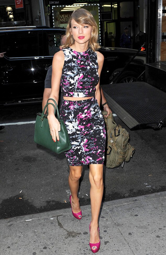 Taylor Swift Loves Crop Tops See All The Perfect Styles
