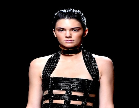 Is Kendall Jenner Naked Under That Dress? Model Flashes ...