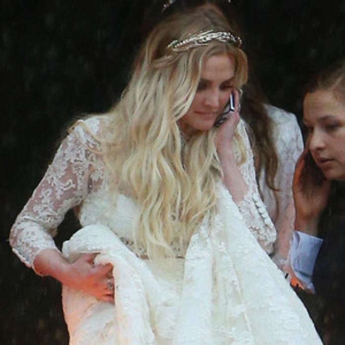 Ashlee simpsons boho chic wedding dress all the details on her ashlee simpsons boho chic wedding dress all the details on her stunning houghton gown e news junglespirit Gallery